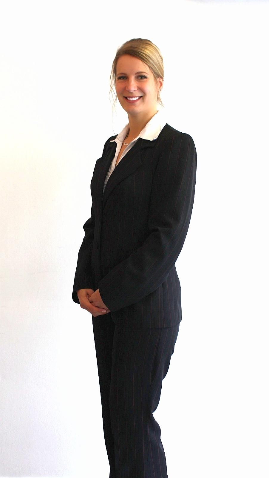Szabó Tímeaa, pénzügyi szakértő